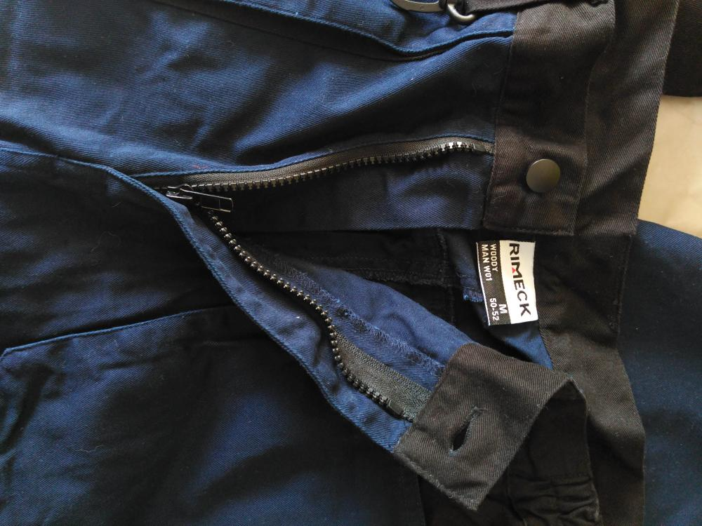 Mann lange blaue Baggy Working Pants