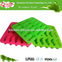 China Hersteller Food Grade Antihaft-Auto Form Silikon Eis Maker / bunte geformte Silikon Eisformen