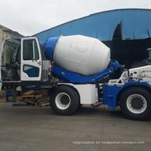 Construcción con camión mezclador de cemento