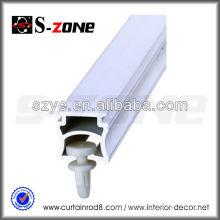 El plástico blanco que cuelga los sistemas de los carriles de la cortina, PVC de la pista de la cortina del panel SC06