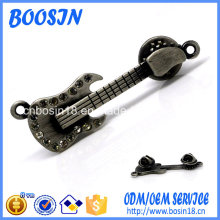 Cheap Silver Metal Guitar Pin Brooch for Men