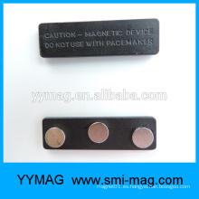 Metal y Plástico Magnet titular de la insignia