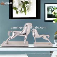 Chinesische Produzenten Harz indischen Hause Dekor Stücke Zusammenfassung Pferd Haus Ornament