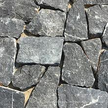 Schwarzer Quarzit-unregelmäßiger natürlicher Schloss-Stein
