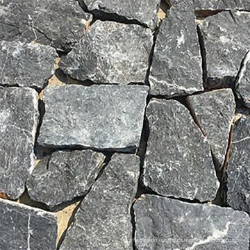 Piedra de castillo natural irregular de cuarcita negra