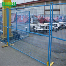 Removable temporary welded powder coated fence