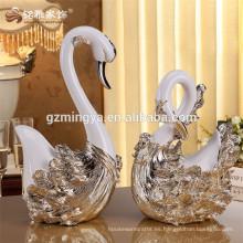 Decoración casera al por mayor El arte europeo del cisne del oro del polyresin del diseño del estilo para la decoración interior del hotel