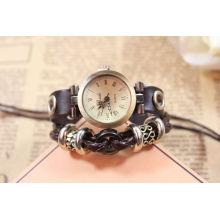 Reloj de cuarzo de cuero genuino