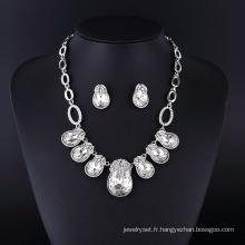 Grand collier de bijoux de diamant en cristal d'imitation