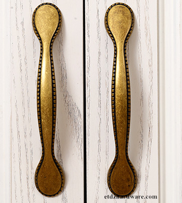 High Quality Classic Zinc Handle Antique  Brass Handle  Dresser Pull Handle