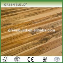 Piso de madeira projetado de tratamento natural de teca brasileira