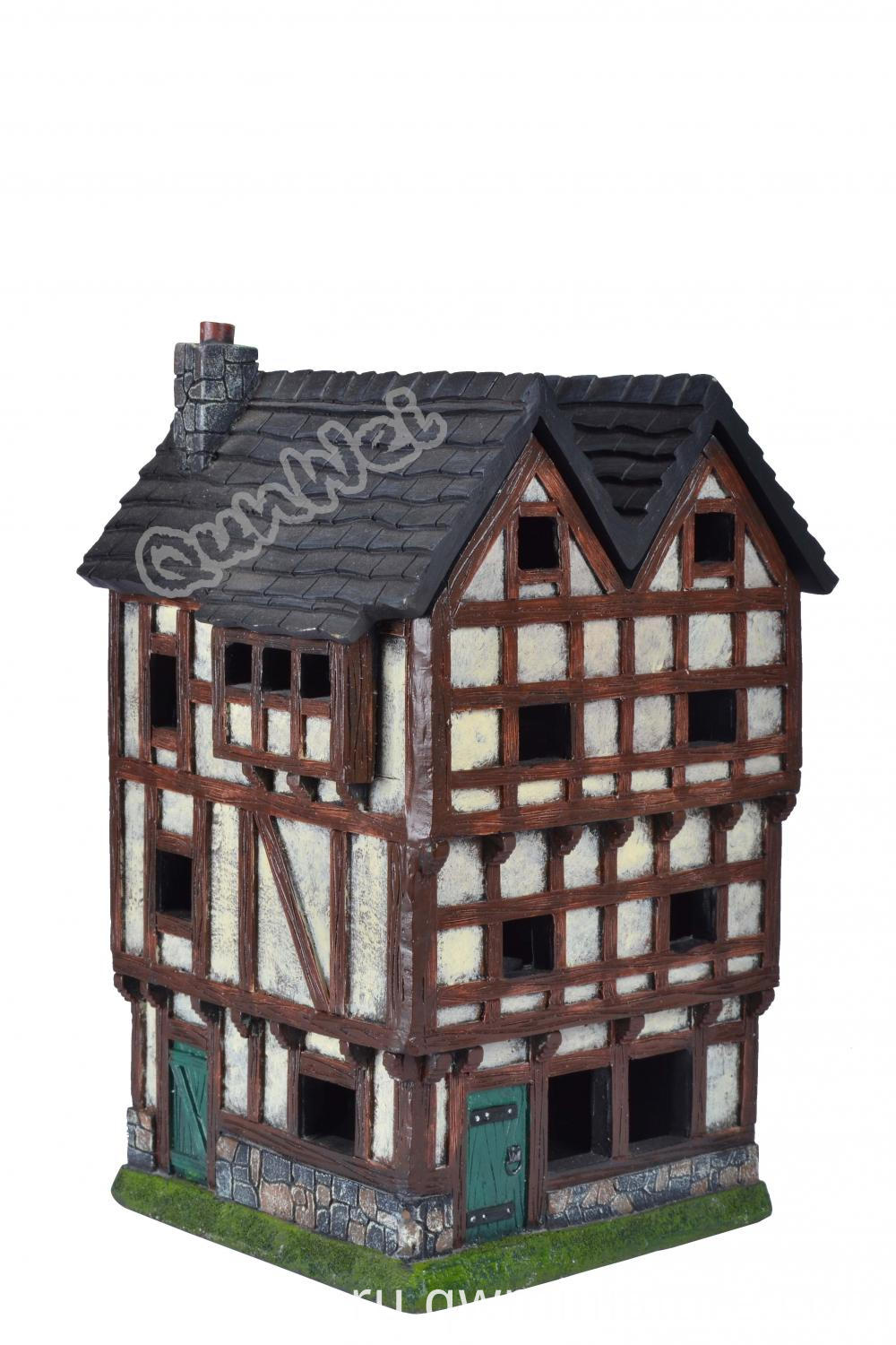 Resin Poly Dollhouse
