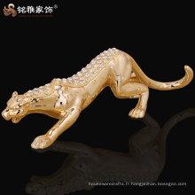 Statue décorative en résine de léopard décorée à la main avec un diadème brillant