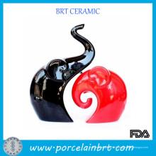 Décoration de mariage en porcelaine noire et rouge d'amour d'éléphant