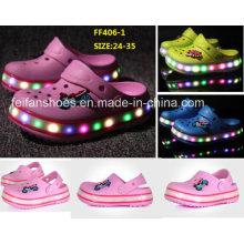 OEM crianças flash luzes luminosas LED sapatos sapatos de jardim sapatos de praia (ff406-1)