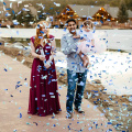 Confetti Cannons Party Poppers Indoor und Outdoor Safe Perfekt für jede Party Silvester oder Hochzeitsfeier