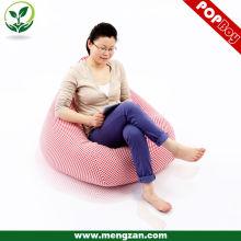Superbe canapé rose à carreaux, fauteuil en coton et haricots