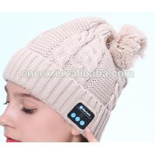 PK18ST015 mais recente moda design de tricô mulheres pompom beanie com fone de ouvido sem fio