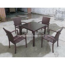 Алюминиевый стол и стул из ротанга