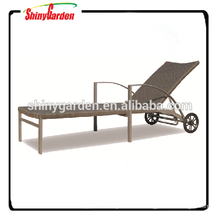 Outdoor Leisure Rattan Wicker Beach Sun Lounger Bed with Wheel