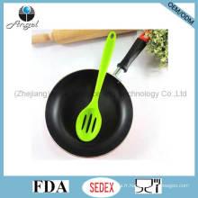 Ensemble d'ustensile de cuisine anti-adhésif en silicone Cuillère de cuisine à fente en silicone Sk16b