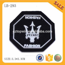 LB293 Nueva etiqueta suave del pvc de la manera 3d, insignia grabada de encargo del pvc de la ropa