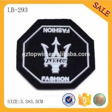 LB293 Tag brandnew do pvc da forma 3d, emblema gravado feito sob encomenda do pvc do vestuário