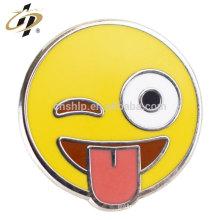 Insignias de botones pintados personalizados al por mayor baratos de alta calidad