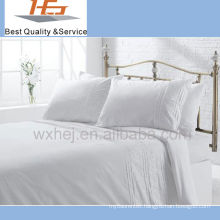 Queen Size White Jacquard Comforter Set