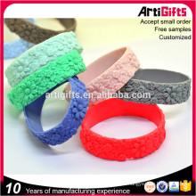 Pulseras de lujo de la amistad del muchacho y de las muchachas de la moda del vendedor caliente de los nuevos modelos, pulseras de silicona personalizadas para las mujeres