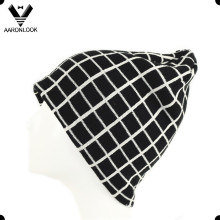 Men′s Winter High Quality Jacquard Grid Beanie Hat