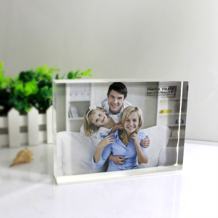 A 2p0007 Clear Acrylic Block Photo Frame