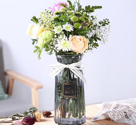 Small fresh style glass vase