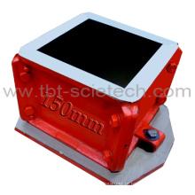 Quatro molde concreto dos testes da parte das peças ASTM quatro para o teste de compressão