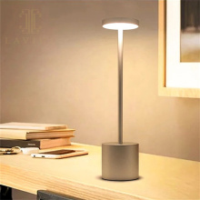 Светодиодная аккумуляторная портативная настольная лампа с сенсорным управлением