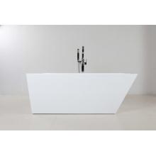 Красивая крытая акриловая автономная ванна