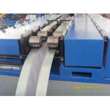 Máquina de formação de conectores de duto