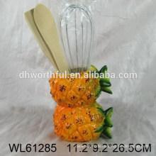 Keramischer Utensilienhalter in Ananasform