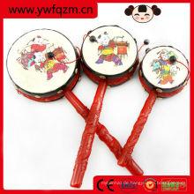 Musikalisches Spielzeug des pädagogischen Babys, lustiges Fußballrassel, handgemachtes Babyspielzeug
