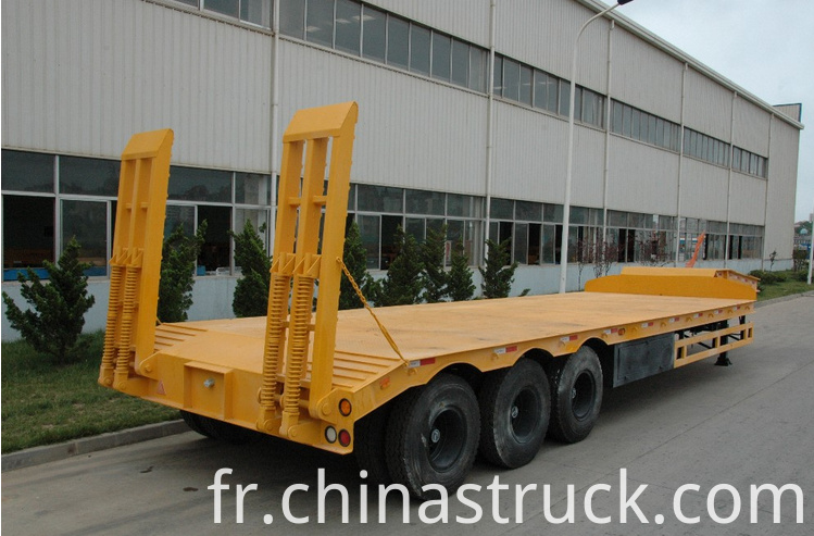 3 axle 60Ton low bed trailer truck picture 1