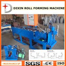 Metalltürrahmen, der Maschine herstellt