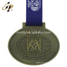 2018 Promocional barato metal esportes prêmio medalhas em branco com fita