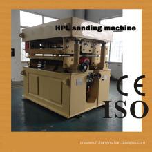 Une machine de ponçage pour HPL