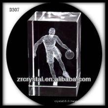 Laser K9 3D jouant au basket-ball à l'intérieur du rectangle en cristal