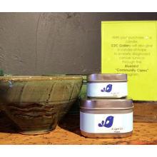 Vela de cera de soja perfumada na caixa de lata quadrada
