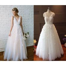 Vestido de boda de la flor de la playa de Tulle del cuello de V