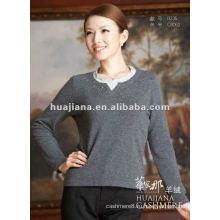 элегантный молодой дамы кашемировый свитер
