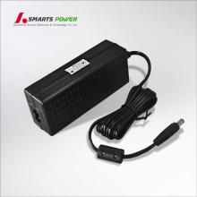 Gleichstromausgang und Desktop-Anschluss 12-V-Netzteil