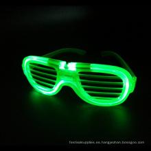 gafas con marco de alambre