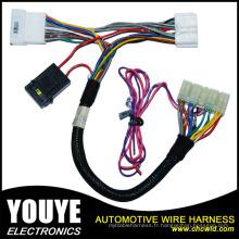 Harnais de fil fait sur commande de connecteur de 6 bornes pour des véhicules à moteur